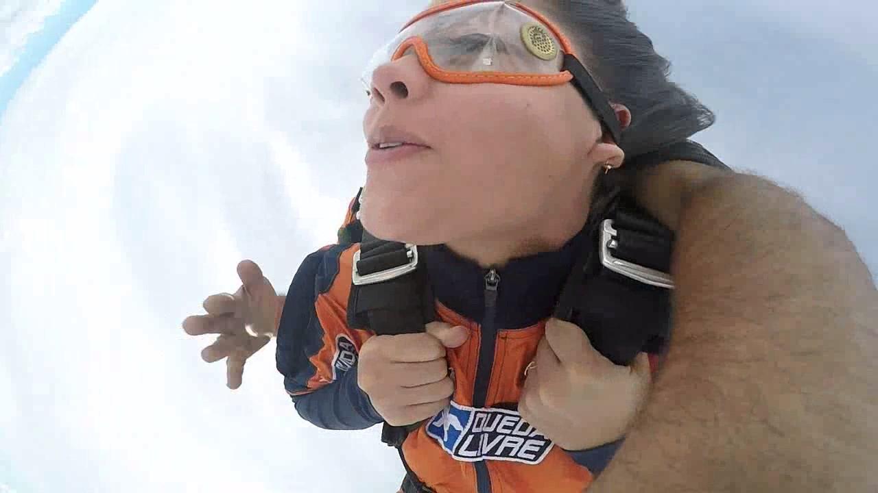 Salto de Paraquedas da Maria G na Queda Livre Paraquedismo 21 01 2017