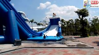 Download Video BANGUN TIDUR KU TERUS MANDI - BERMAIN AIR, PROSOTAN Water Slide WaterPark Gofun MP3 3GP MP4