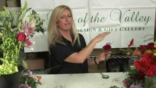 Wedding Flowers & Floral Arrangements : How to Make Corsages for the Mothers of the Bride & Groom