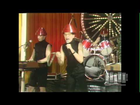 Devo - Whip It (Live On Fridays)