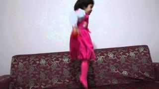 Patty Shukla Jump Efsa Uçuyor