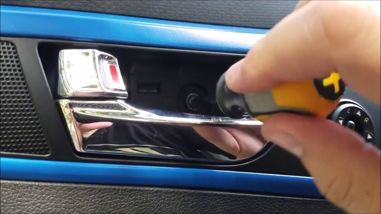 How To: Hyundai Veloster Door Panel Removal  Veloster Rodney 17:23 HD