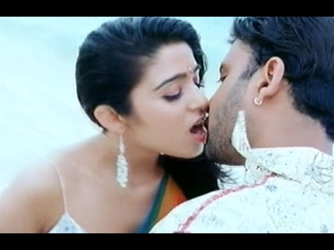 Charmi Kaur Hot Lips Kiss And Navel Press Caps Hot Video