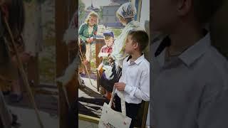 Тысячным посетителем выставки «Место встречи с искусством» стал шестиклассник из Бердска