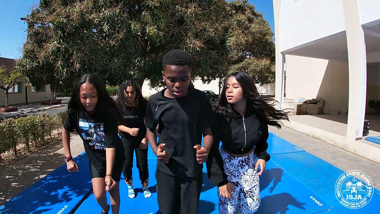 Dieynaba, Layana, Mame Diarra, Noémie, Océane et Vassili…en compétition pour le Challenge Danse AEFE
