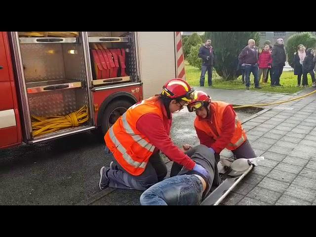 Simulacro de evacuación en el CEIP de Xermade