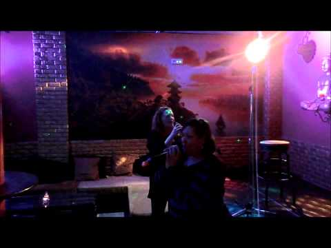 Pequeño Buda Pub Karaoke - Shakira