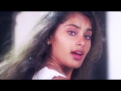 Muttaikkul Irukkumpodu HD  Album Tamil Movie Song  Shrutika  Bhavatharini  Karthik Raja