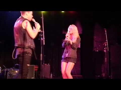 Paint Me Black - Ben Hazlewood Ft. Mali-Koa Hood - Live At The Roxy