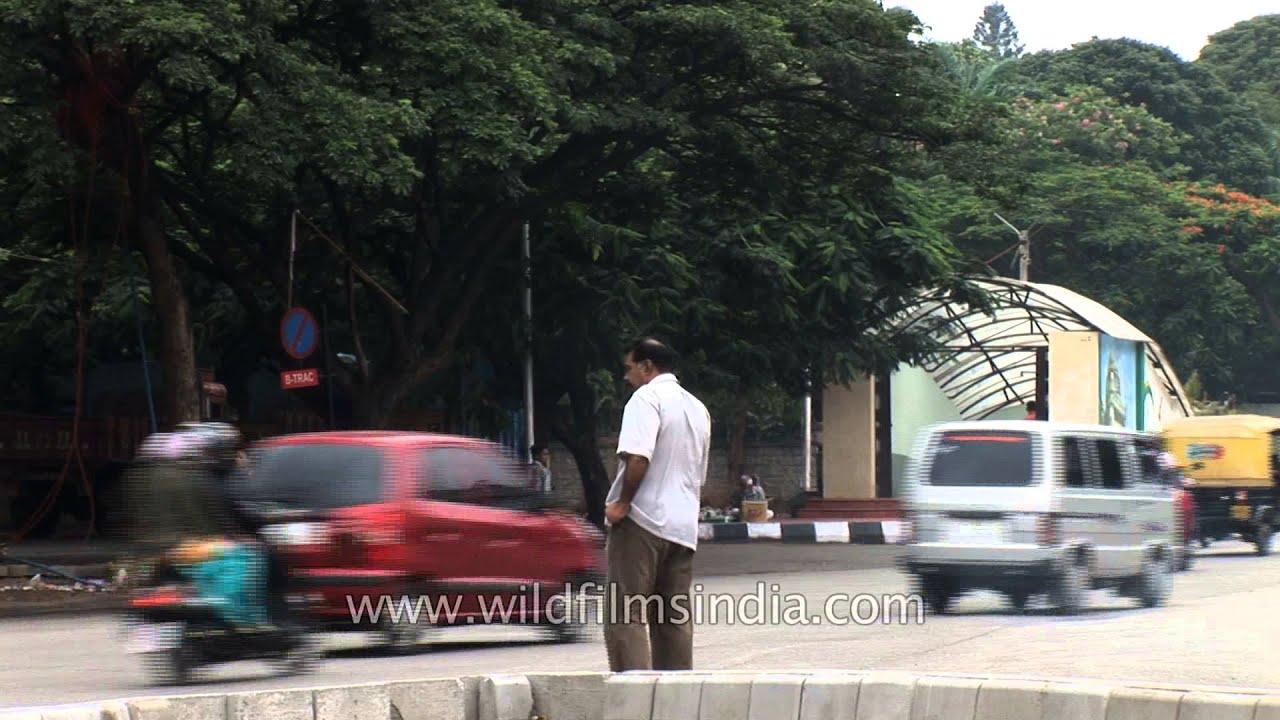 Busy traffic scene - Bengaluru, Karnataka