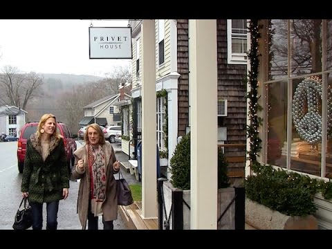 Nina Campbell Shops Christmas in Connecticut
