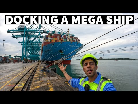 Docking A Mega Ship With A Helicopter | EXPLAINED |