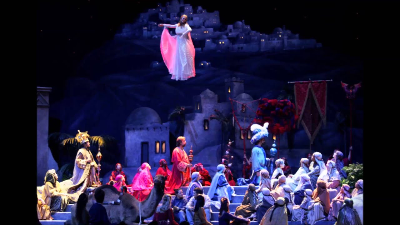 The Glory of Christmas -- O Little Town of Bethlehem - YouTube