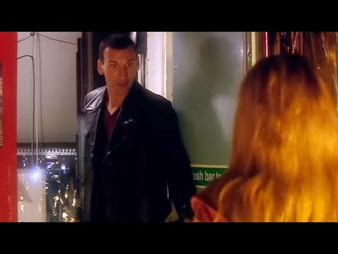 "Christopher Eccleston's First Scene | ""I'm The Doctor By The Way"" 