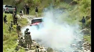 Sementara itu petugas gabungan TNI dan Polri masih terus mencari li...