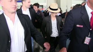 Crazy arrival for Jury Member Vanessa Paradis at Nice airport