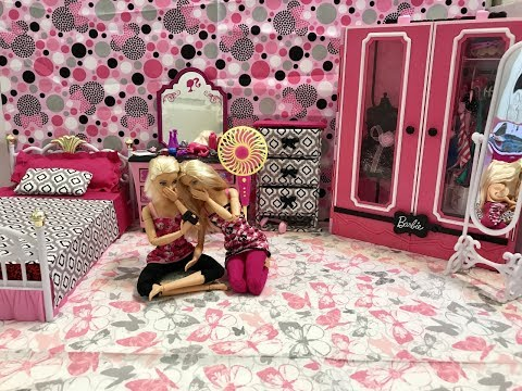 Barbie Bedroom Morning Routine!! Barbie and Friend!