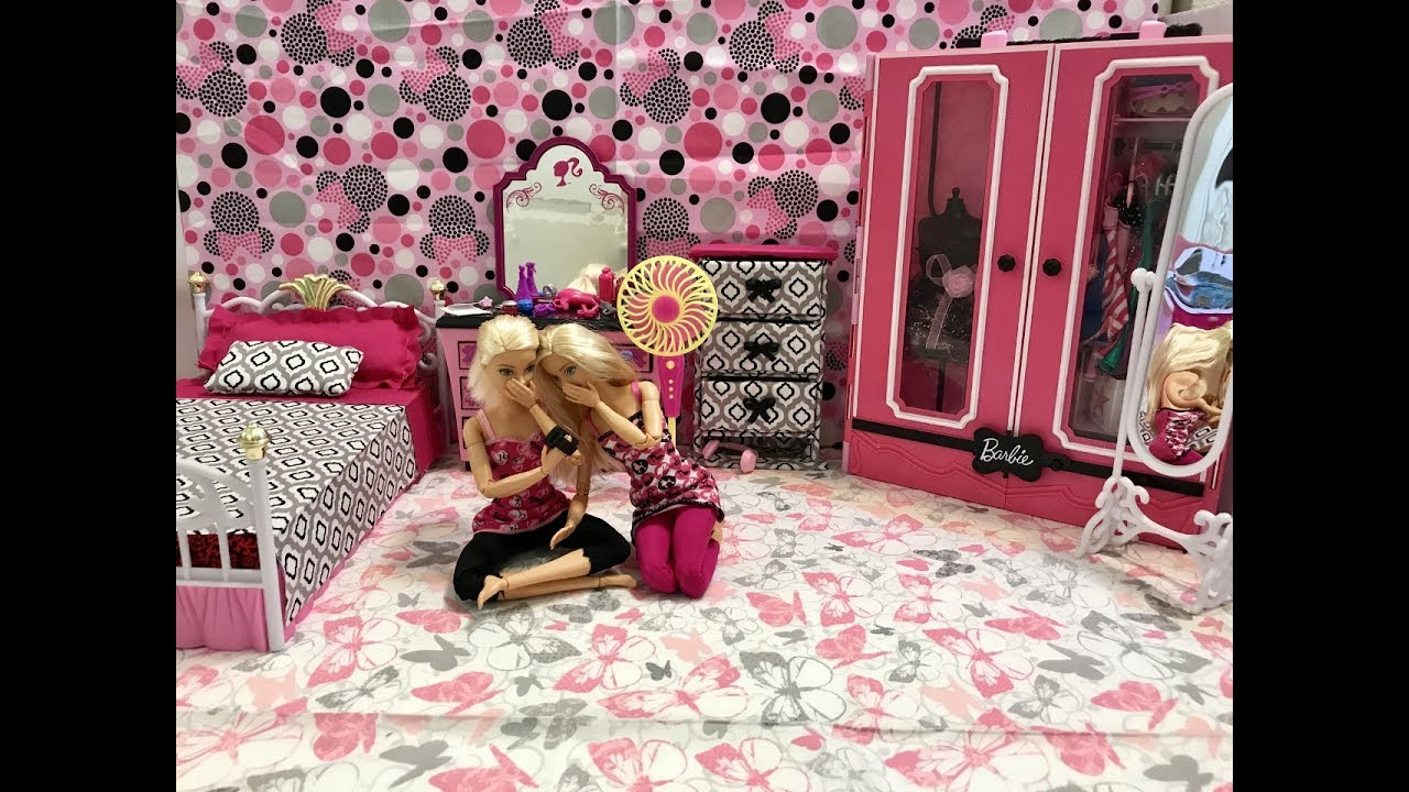 Barbie Bedroom In A Box: Barbie Bedroom Morning Routine!! Barbie And Friend!