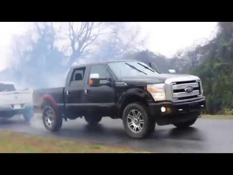 dodge-ram-2500-vs-ford-platinum-f-250-tug-of-war
