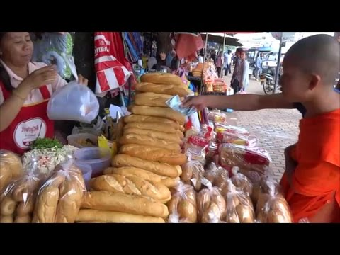 LAO FOOD, STREET FOOD IN LAOS, ASIAN STREET FOOD, VIENTIANE, LAOS TRAVEL