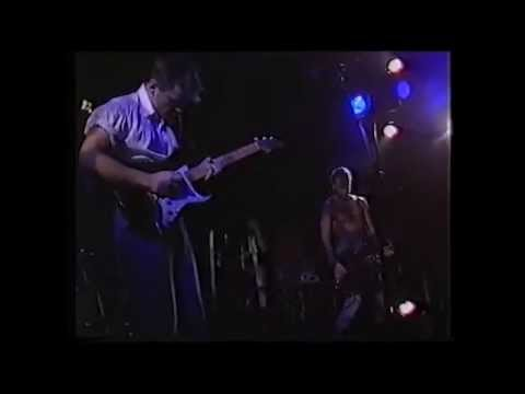 New Order - Temptation (live 1985 Bernard all coked up!)