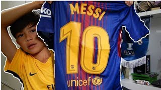 Unboxing lionel messi fc barcelona kit 2017!!!