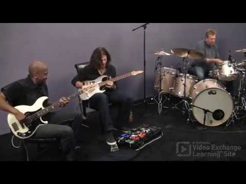 Nathan East Jams with Michael Thompson & JR Robinson: Continuous 16th Notes