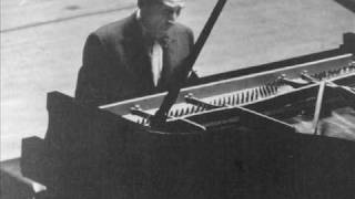 Horowitz plays Bach/Busoni Toccata, Adagio & Fugue BWV 564 (II)