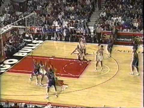 Jamal Mashburn (50pts) & Jim Jackson (38pts) vs. Bulls (1994)