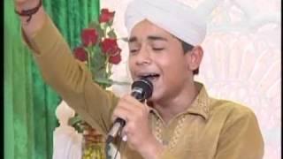 Naat Sarkar Ki Parta Hoon Mein - Farhan Ali Qadri (Mauritius)