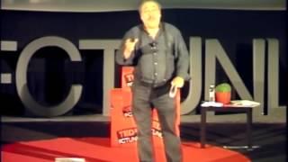Uma ponte de palavras | José Fanha | TEDxFCTUNL