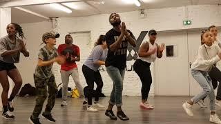 Mr Eazi - Surrender ft Simi (Video danse)