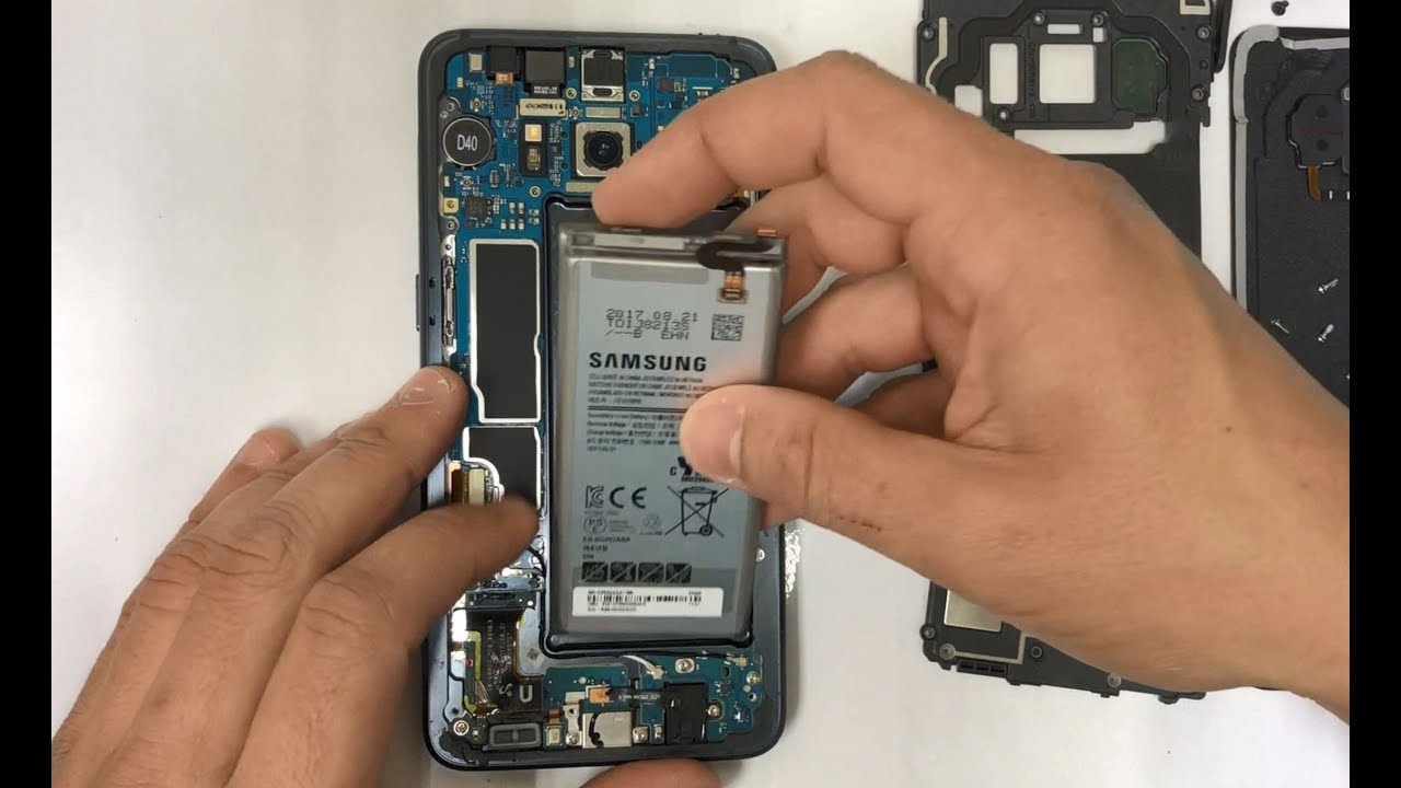 How to Replace the Battery on a Samsung Galaxy S8 Active ...