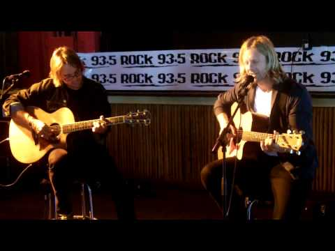 "Rock 93.5 FM Presents SWITCHFOOT LIVE ACOUSTIC ""Vice Versus"""