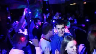 Несовершеннолетние стриптиз в клубе фитнес клубы москвы южный округ