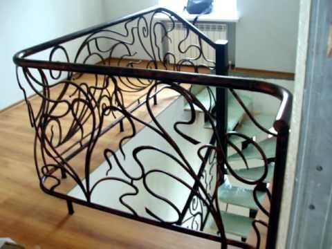 Кованые перила для лестницы в частном доме. Ковка в интерьере