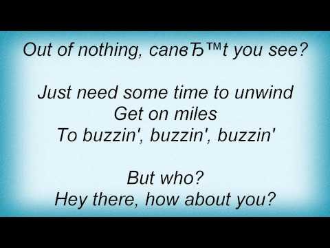 Kellie Pickler - Buzzin' Lyrics