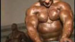 Bodybuilder Paco Bautista pumping b