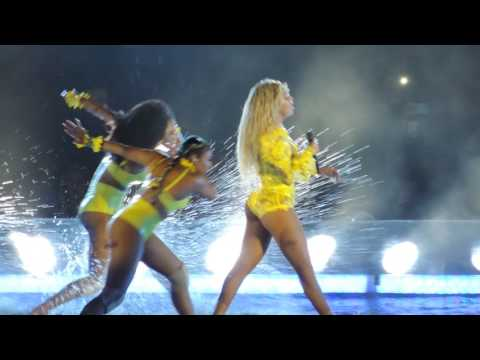 Beyoncé & Kendrick Lamar - Freedom (Live at MetLife Stadium)