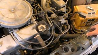 видео Карбюраторный двигатель не запускается