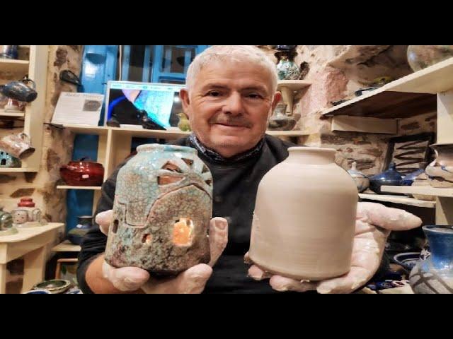 Νέο βίντεο Κεραμικής στο κανάλι μας στο Youtube όπου φτιάχνουμε ένα κεραμικό καντήλι στον τροχό.