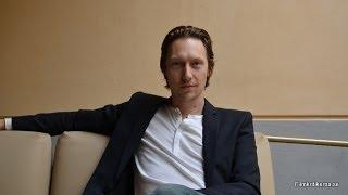Simon J. Berger - Intervju inför filmen Hemma