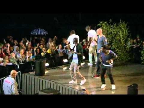 """Panetoz med """"Mama Africa"""" Allsång på Skansen - Aug 2012"""