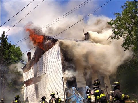 Paterson NJ Fire Department 2nd Alarm Fire on Watson St. Heavy Fire in a Vacant 2.5 Frame structure