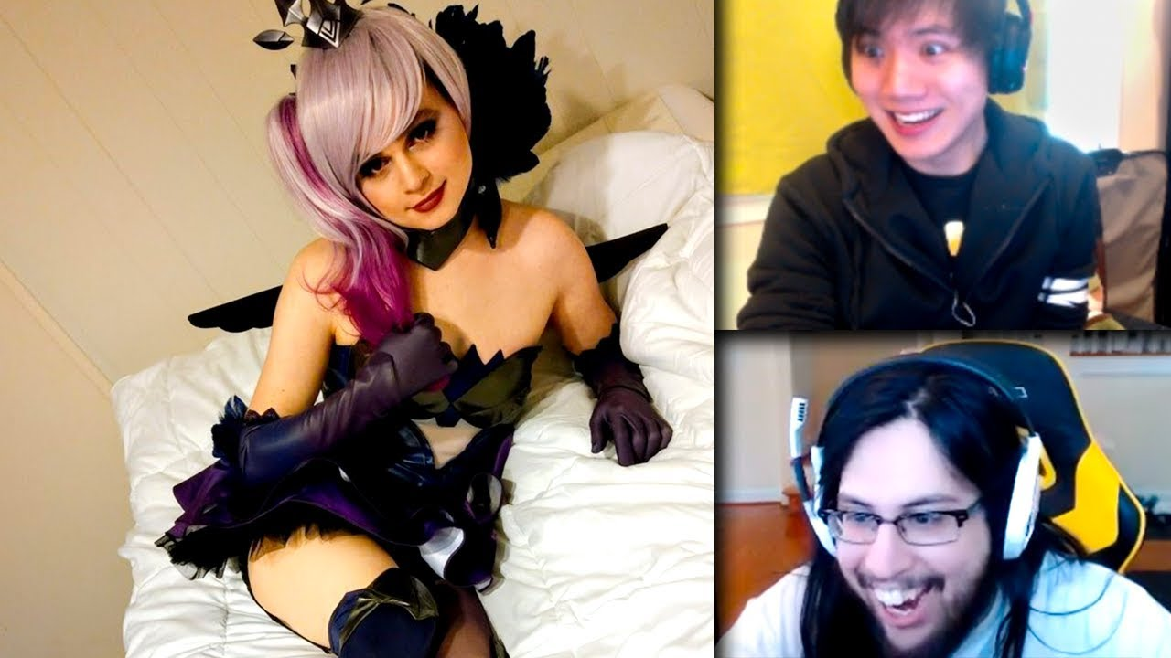cosplay Sneaky and girlfriend