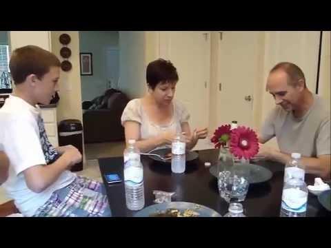 Видео: Most Beautiful Pregnancy Announcements 15