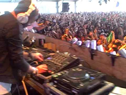 The Bloody Beetroots starting their set at Coachella 2009 w Steve Aoki