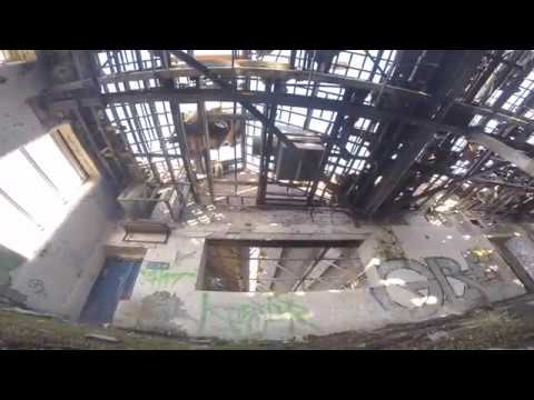EXPLORING WITH DRONES. DERELICT BUILDING FPV