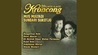 Gambar cover Di Bawah Sinar Bulan Purnama