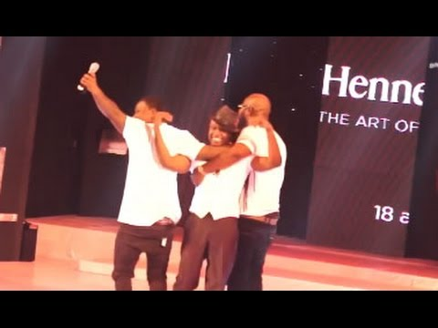 Reggie Rockstone pulled off stage by VVIP members @ Hennessy Artistry gig | GhanaMusic.com Video